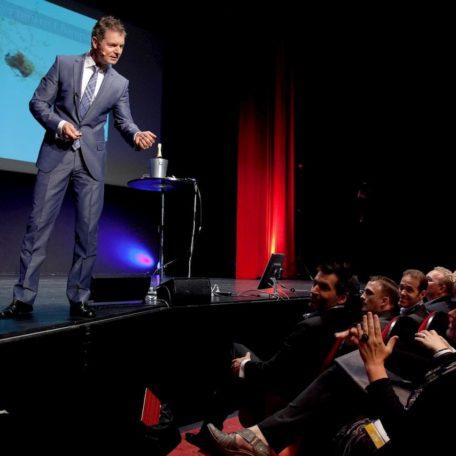 Dirk Kreuter in Action bei einer Vertriebsoffensive